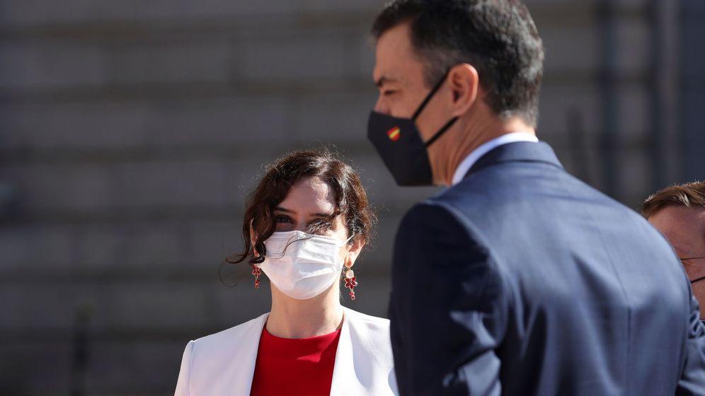 Foto: Pedro Sánchez, presidente del Gobierno, junto a Isabel Díaz Ayuso. (EFE)