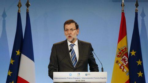 Salvar a Sánchez y reconciliarse con las bases del PP, objetivos de Rajoy
