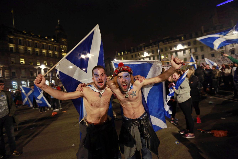Independentistas escoceses en el centro de Glasgow durante el referéndum de septiembre de 2014 (Reuters).