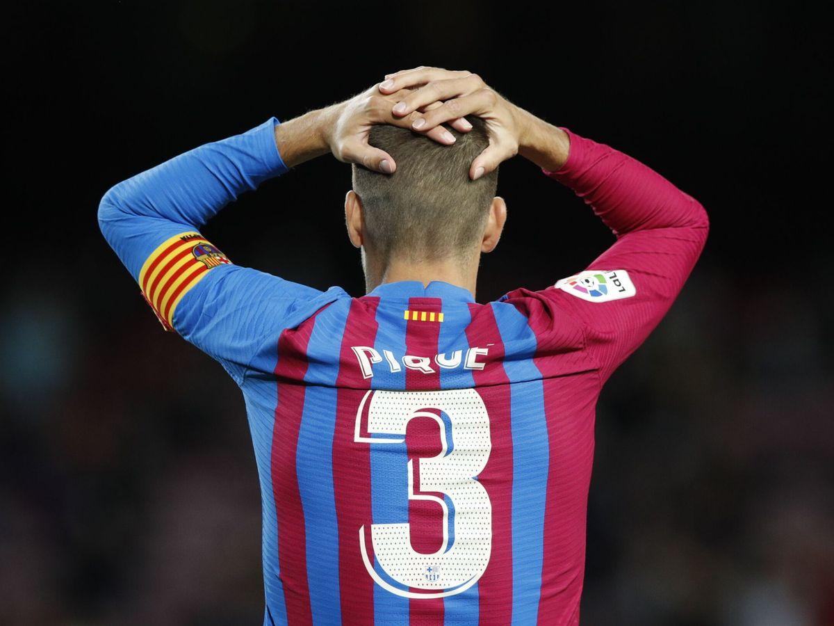 Foto: Piqué se lamenta por una ocasión fallada. (Reuters)