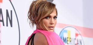 Post de Jennifer Lopez muestra en Instagram su culo a los 51 años y... su entrenador nos cuenta 3 ejercicios para conseguirlo en casa