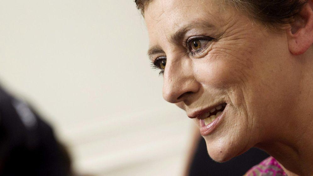 Foto: La escritora Ángeles Caso en la presentación de su libro 'Todo ese fuego' en octubre. (EFE)