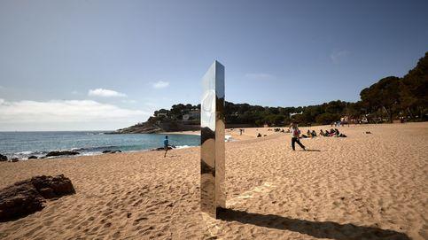 El monolito de metal de la Costa Brava desaparece de un espacio vigilado