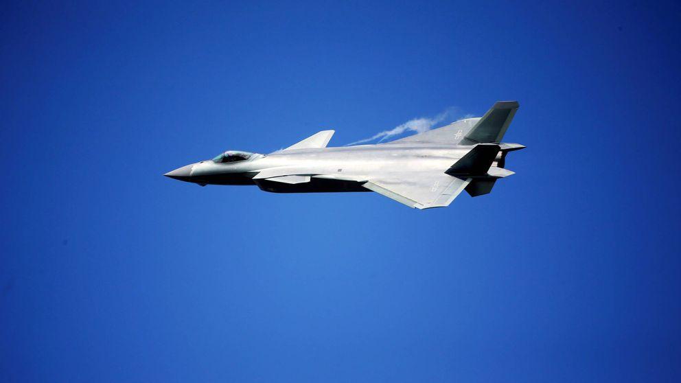 'Poderoso Dragón' J-20, el nuevo caza furtivo chino que reta a EEUU y Rusia
