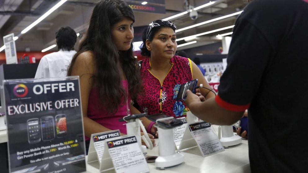 India toma el relevo de China como el motor en la venta de 'smartphones'