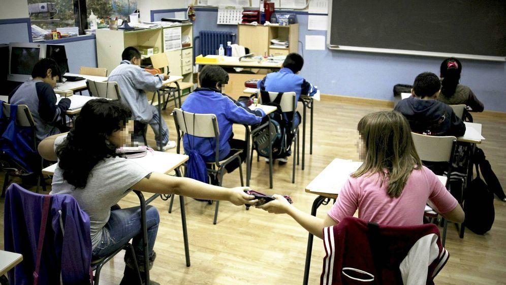 Foto: Niñas en un colegio de Andalucía. (EFE)
