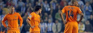 Foto: El Deportivo gana a un Barcelona que salió 'de paseo' por Riazor y acerca al Real Madrid al título