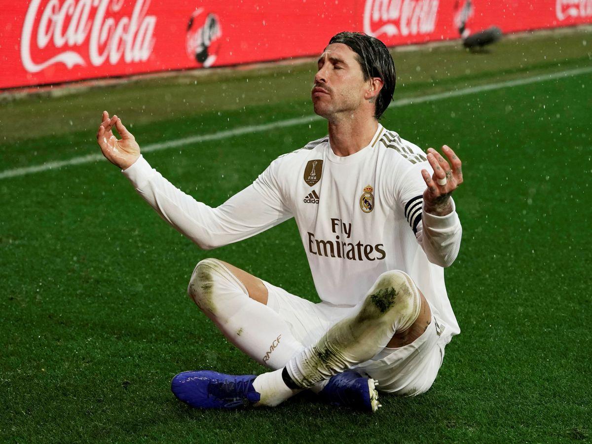 Foto: Sergio Ramos celebra el gol marcado de cabeza en Mendizorroza. (Efe)