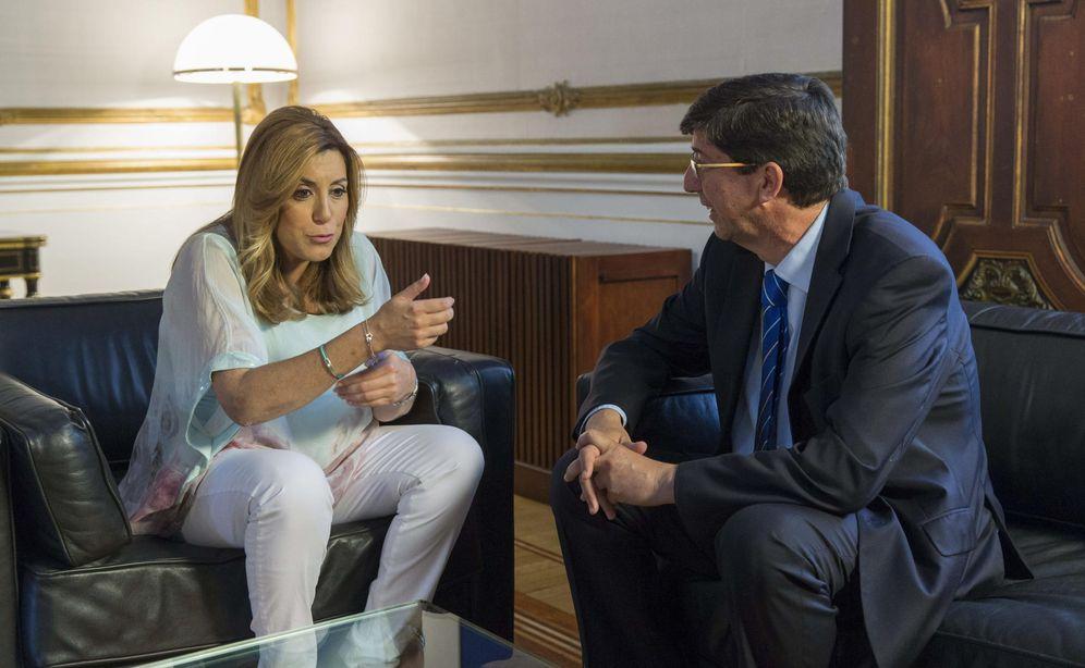 Foto: Susana Díaz con el líder de Ciudadanos, Juan Marín (Efe).