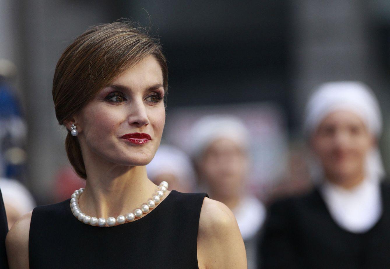1c234f30b19d Reina Letizia: Tiaras, pendientes y collares de perlas: las joyas ...