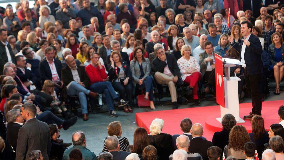 Foto: El secretario general del PSdeG-PSOE Gonzalo Caballero durante el mítin en Vigo. (EFE)