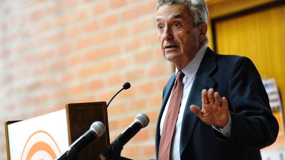Foto: El presidente de la CNMC, José María Marín Quemada, en una conferencia. (EFE)