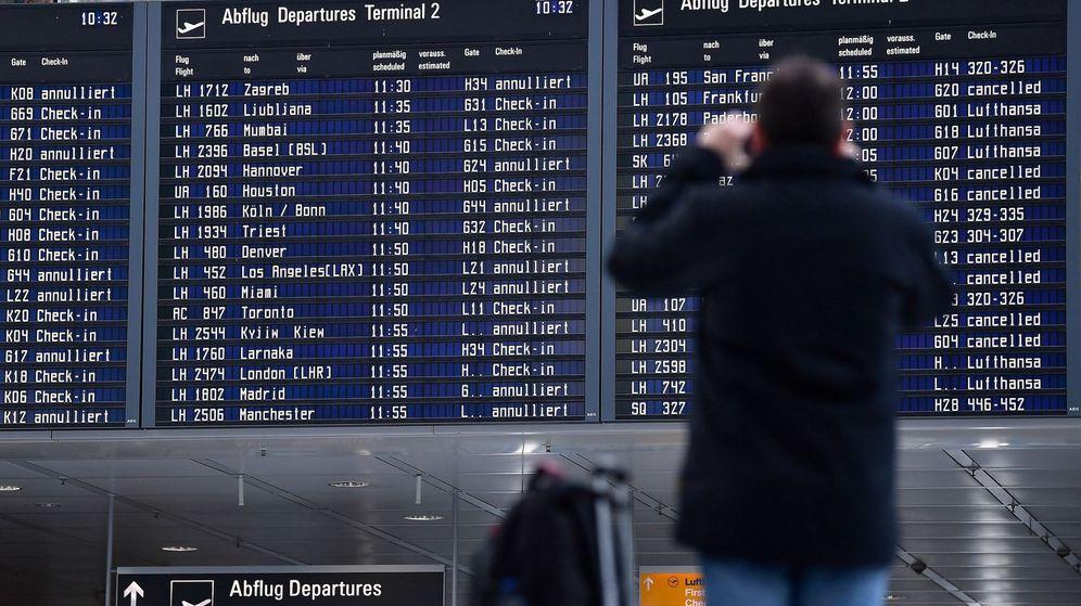 Foto: La huelga de 48 horas iniciada por los tripulantes de cabina de Lufthansa afecta, en su primer día, a más de 700 vuelos. (EFE)