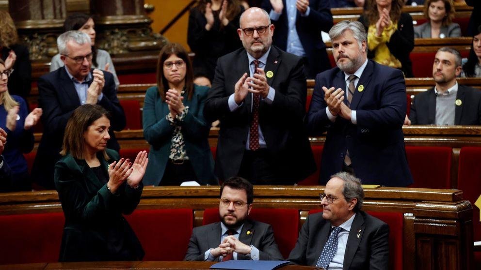 El Parlament se sume en el caos de la guerra ERC-JxCAT por la inhabilitación de Torra