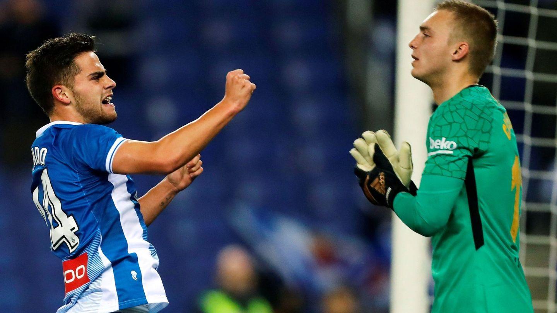 El centrocampista del Espanyol Óscar Melendo celebra su gol. (EFE)
