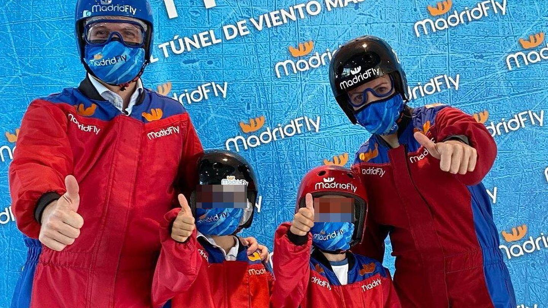 Pablo Casado, Isabel Torres y sus hijos, en Madrid Fly. (Redes)