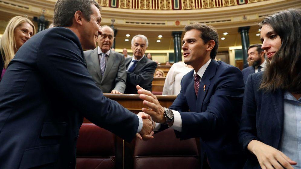 Foto: Los líderes del PP y Ciudadanos, Pablo Casado y Albert Rivera. (EFE)