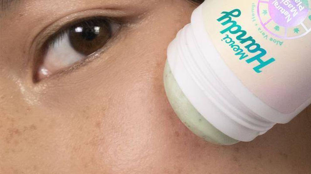 Sé práctica y hazte con este limpiador facial en barra que llevarás siempre en el bolso