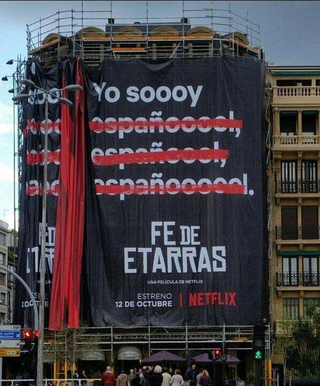 Foto: El cartel que anuncia la película en San Sebastián.