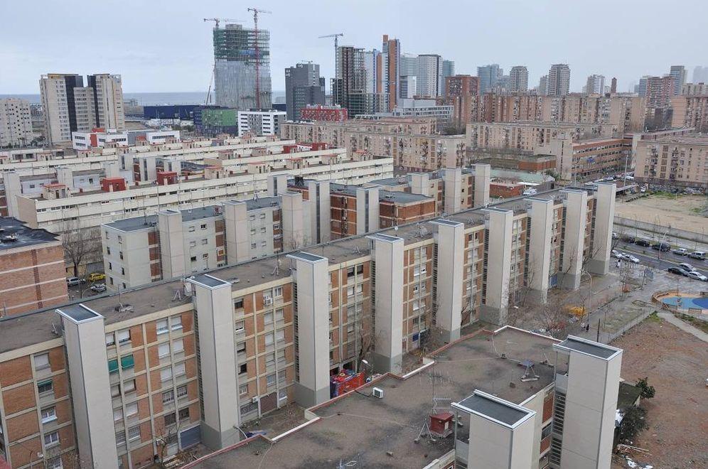 Okupas clanes gitanos ocupan 40 pisos p blicos en el barrio de la mina el bronx de barcelona - Pisos de proteccion oficial barcelona requisitos ...