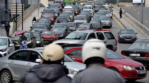 Libaneses bloquean las calles, aún sin Gobierno