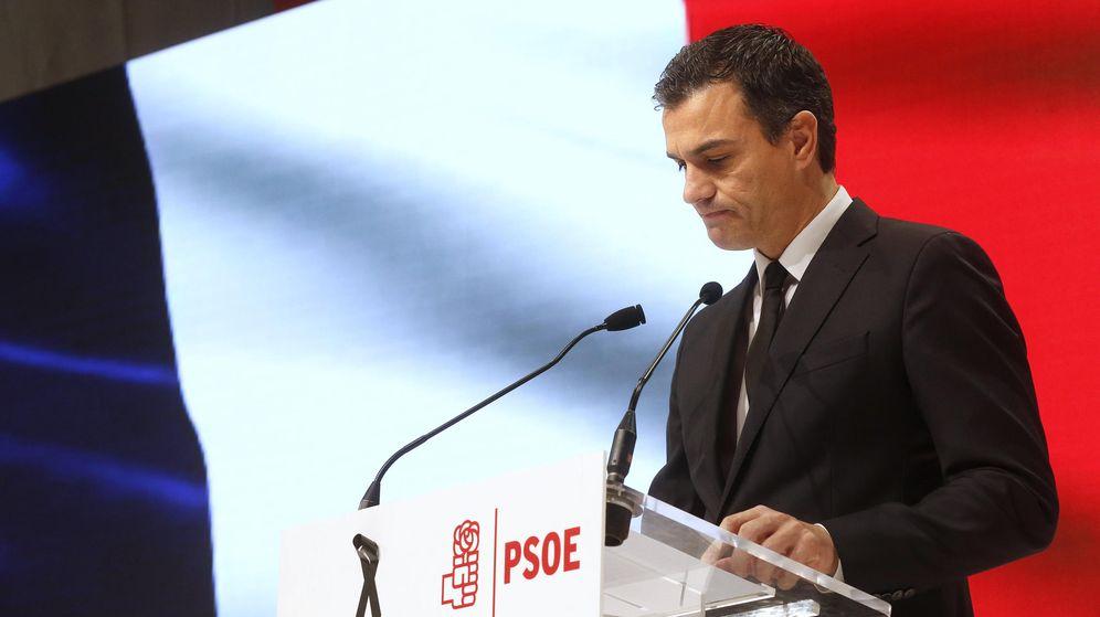 Foto: Pedro Sánchez, durante su discurso de apoyo a Francia tras los atentados de París, este 14 de noviembre en el Centro de Convenciones de Ifema. (EFE)