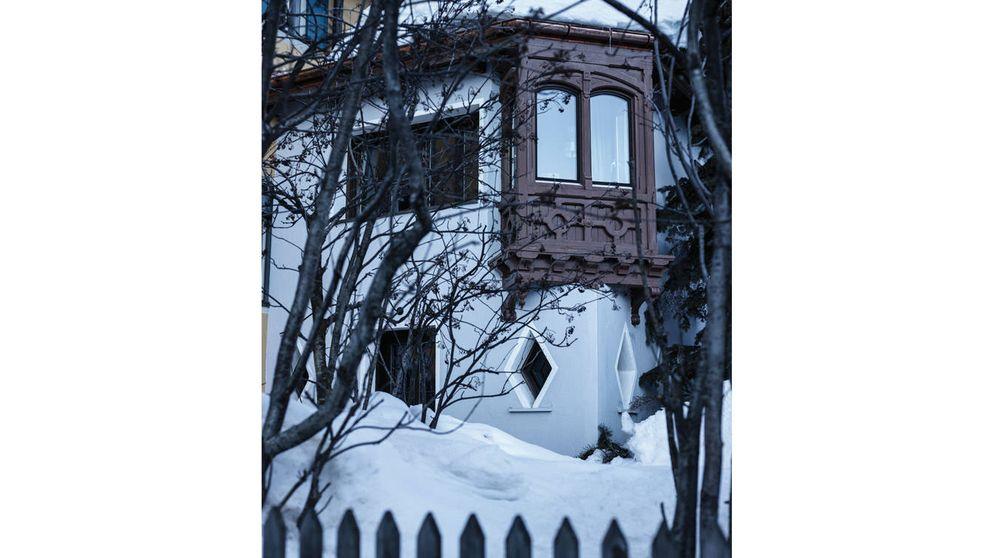 Un refugio en la nieve: de taller de artistas a casa familiar de lujo