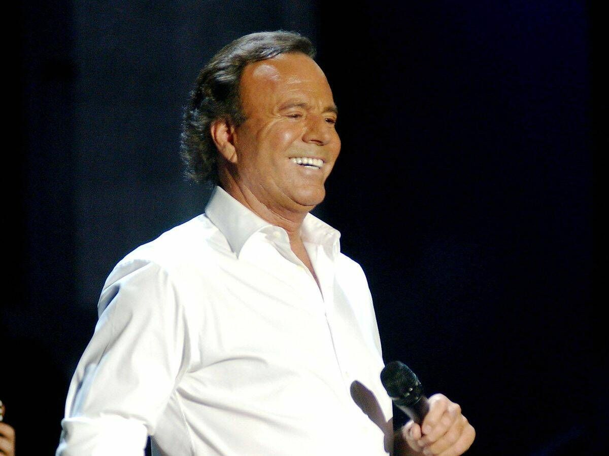 Foto: Julio Iglesias, durante un concierto. (Getty)