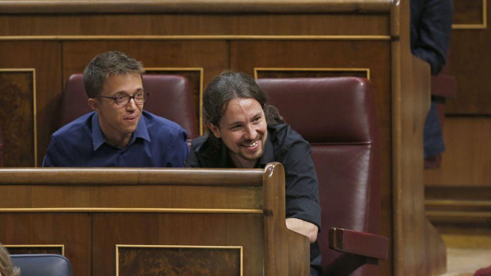 Foto: El secretario general de Podemos, Pablo Iglesias, y el portavoz de Podemos en el Congres, Íñigo Errejón, en el Congreso. (EFE)