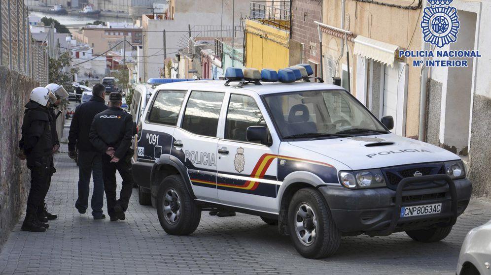 Foto: Detenido en Granada por acosar a una vecina durante un año desde su ventana. (Efe)