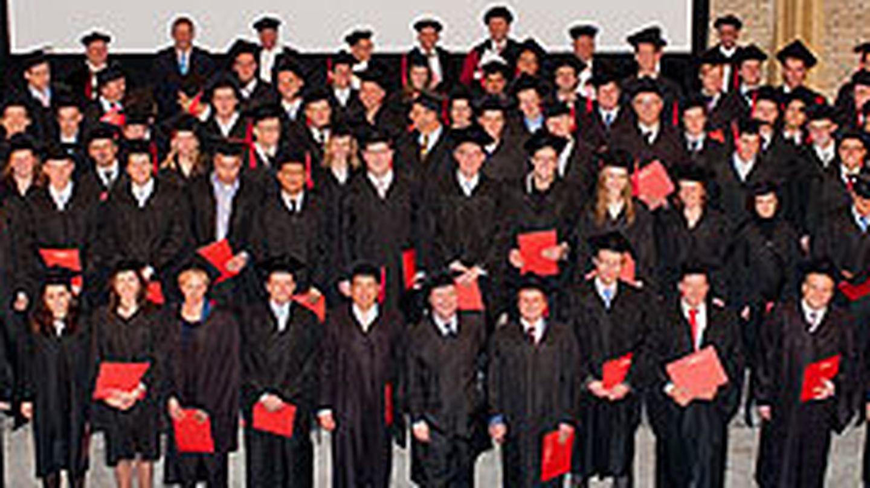 Recién graduados de TiasNimbas (Holanda).