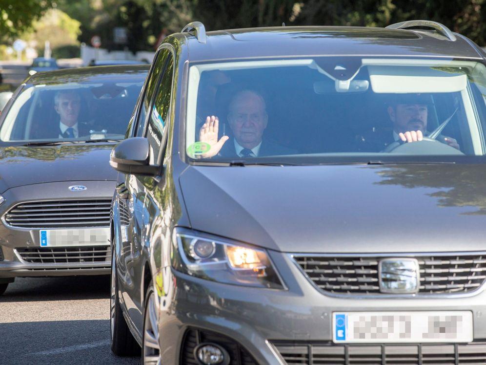 Foto: Don Juan Carlos llegando al enlace.(EFE)