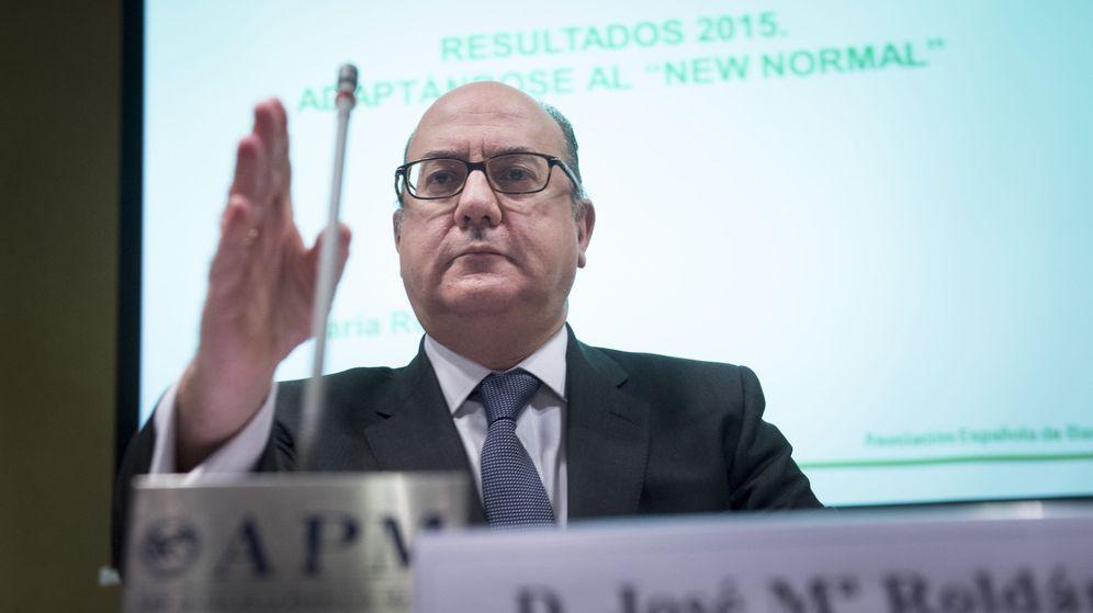 Foto: El presidente de la patronal bancaria española (AEB), José María Roldán, durante la presentación de los resultados del sector en 2015. (EFE)