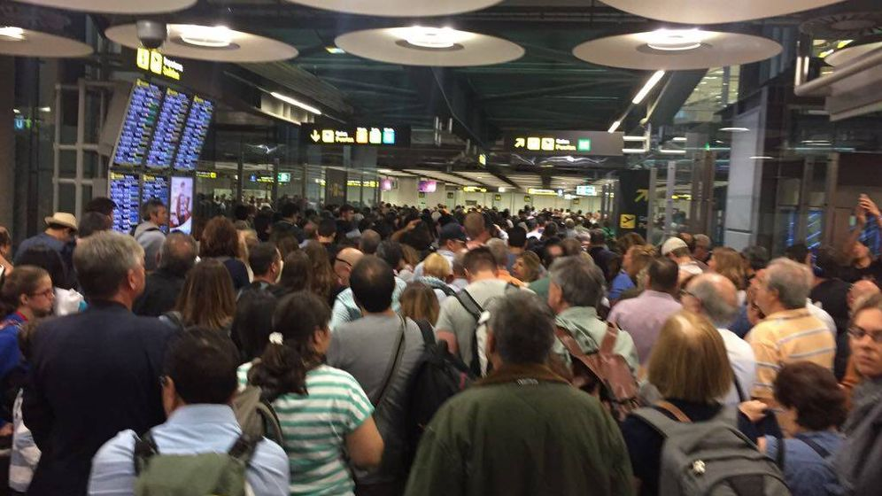 Foto: Caos en el aeropuerto de Barajas para los controles de pasaportes. (EC)