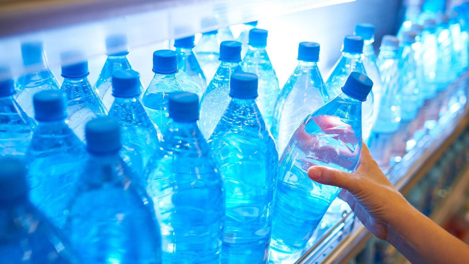 Alimentación: El gran negocio del agua mineral: menos calidad y precios  desorbitados