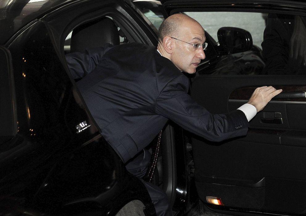 Foto: El nuevo Comisionado, Adam Silver, a su llegada a una de las interminables reuniones durante el 'lockout' de 2011. (Efe)