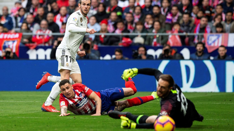 Bale marca a Oblak. (EFE)