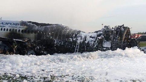 ¿Qué puede ocasionar un incendio a bordo de un avión de pasajeros como el de Moscú?