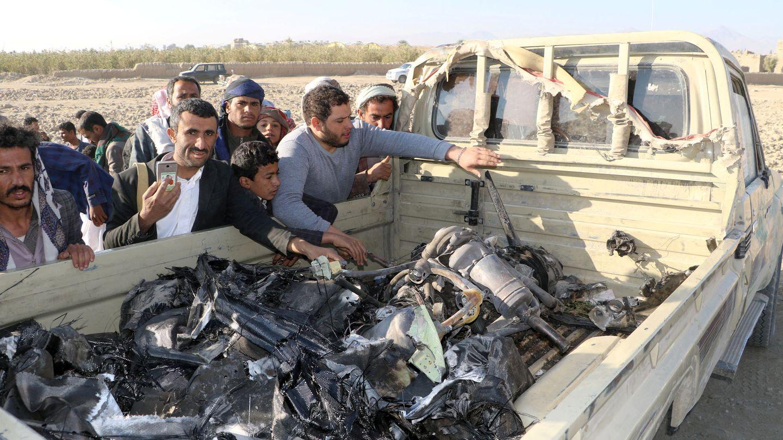 Los restos de un dron derribado por los rebeldes huthíes en Saada, Yemen, el 23 de diciembre de 2018. (Reuters)