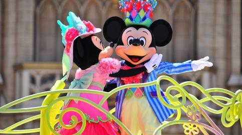 Mickey Mouse sale de compras por Madrid para abrir su mayor tienda en España