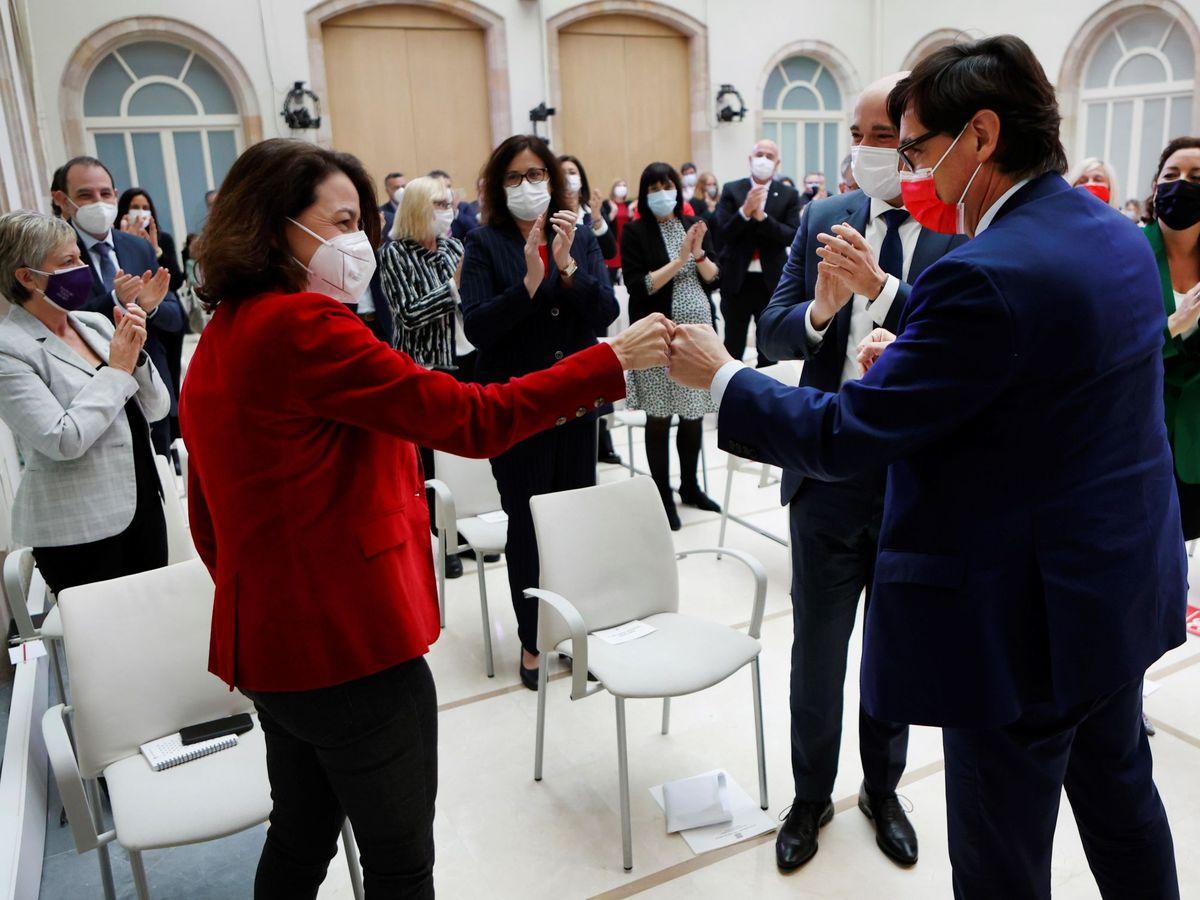 Foto: La viceprimera secretaria del PSC, Eva Granados (i), junto al líder de la oposición en Cataluña, Salvador Illa. (EFE)