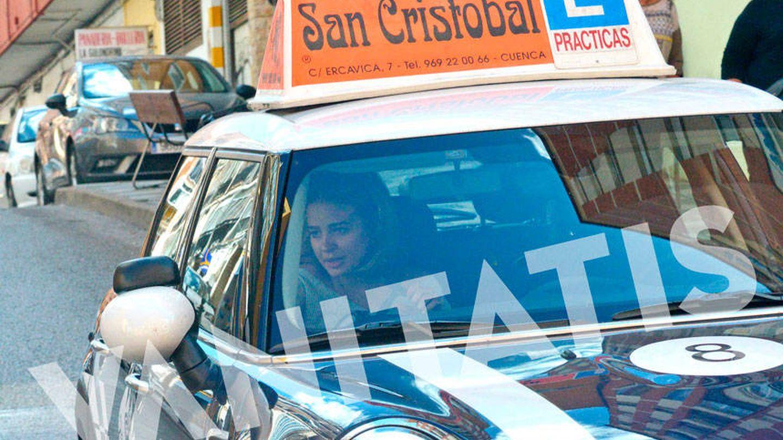 Laura Escanes se saca el carnet de conducir en Cuenca.