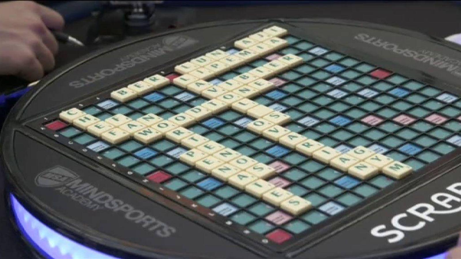 Juegos El Juego De Mesa Scrabble Cumple 70 Anos