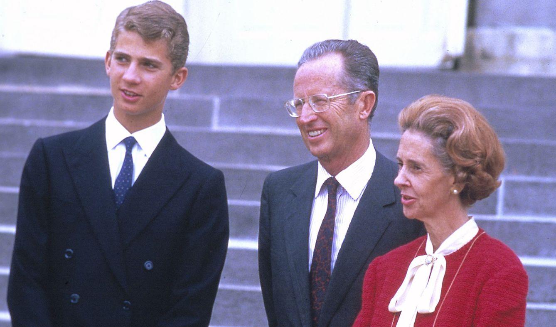 Balduino y Fabiola, junto al entonces Príncipe Felipe en una de sus visitas a España (Gtres)