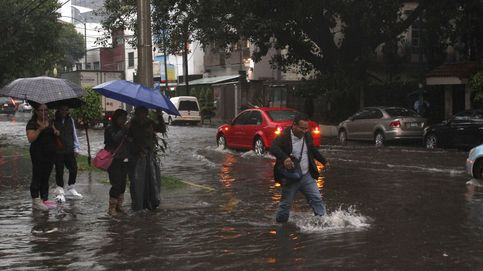 Una tormenta colapsa el tráfico en México