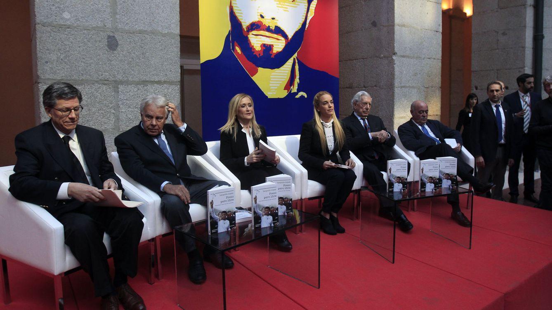 Foto: PP, PSOE y C's, unidos en un acto de apoyo a la oposición venezolana