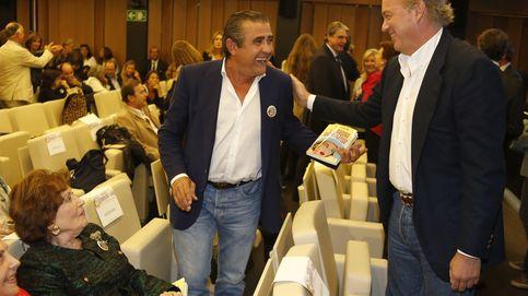 Familia, amigos y políticos acuden a la presentación del libro de Marta Barroso