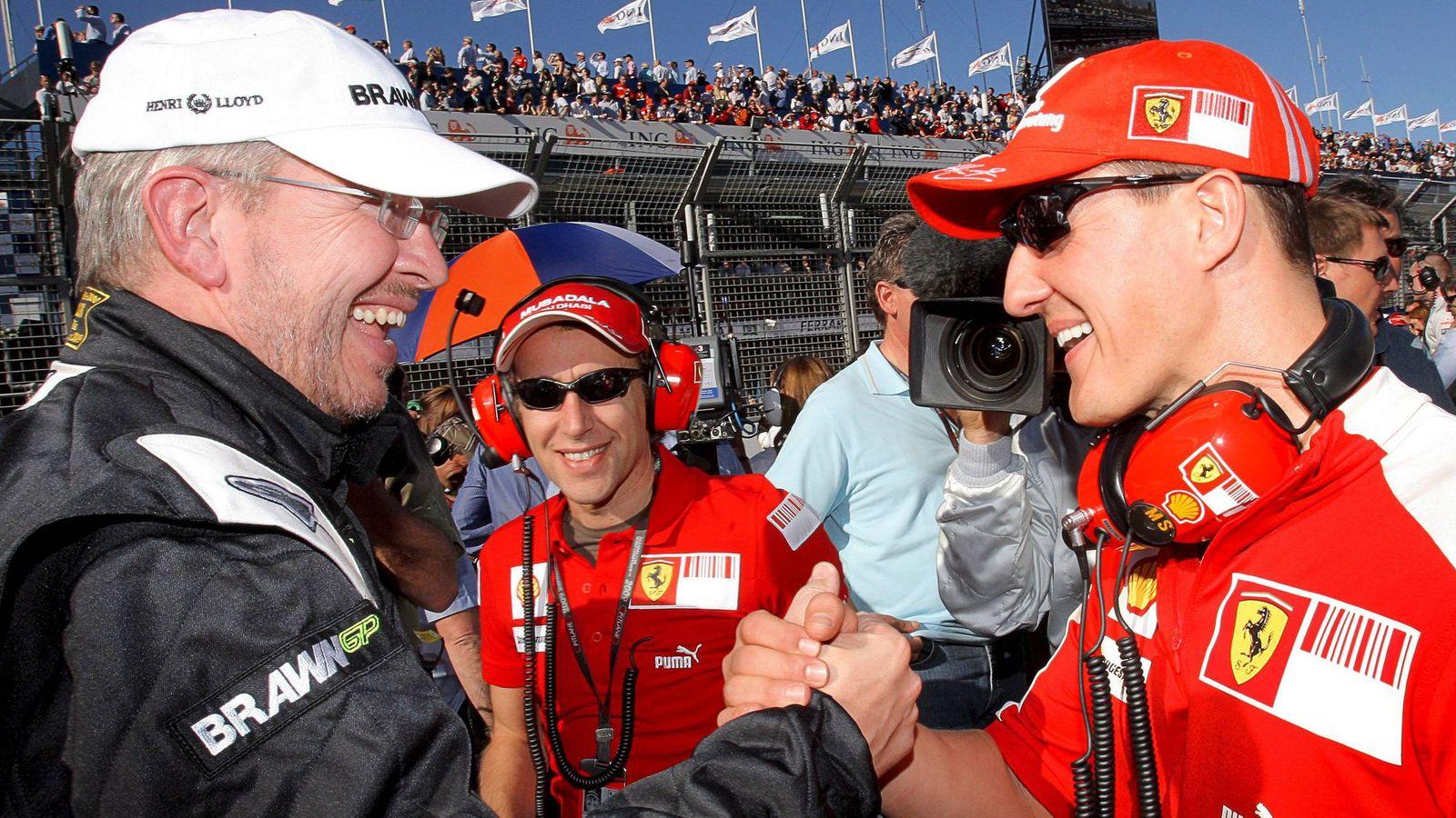 Foto: Ross Brawn junto a su expiloto, Michael Schumacher, en el inicio de 2009, su temporada mágica.