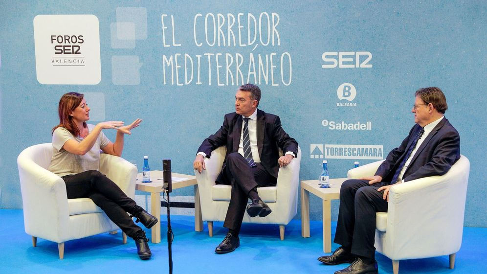 Foto: Ximo Puig (d), en un encuentro organizado por la SER. (EFE)