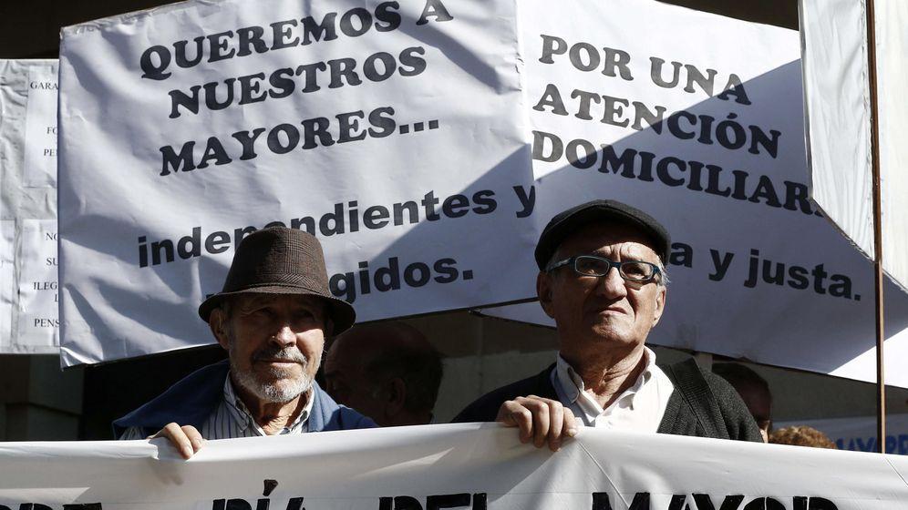 Foto: Jubilados y pensionistas reivindican, en el Día del Mayor, una mayor presencia del colectivo en foros de decisión. (EFE)